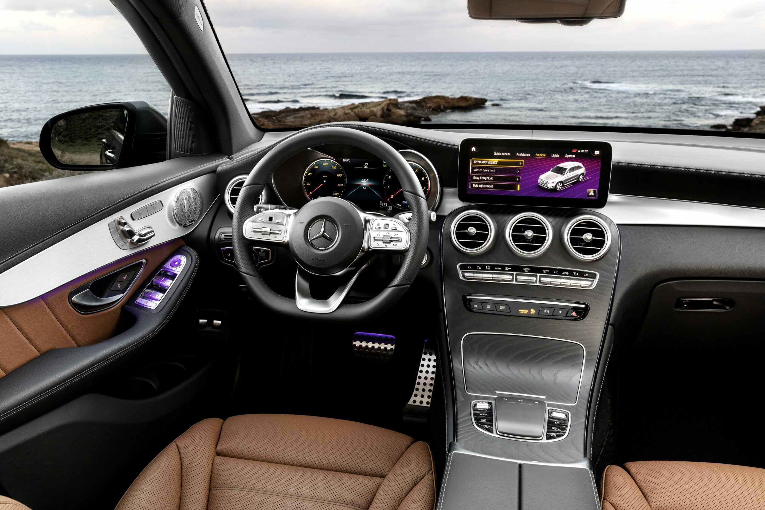 2020 mercedes inside Price and Review