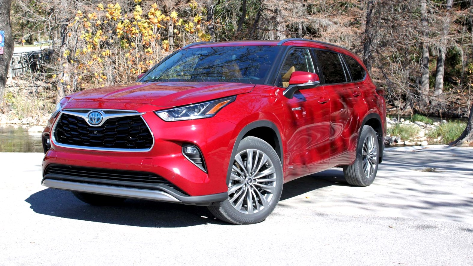 2020 toyota highlander review Pictures