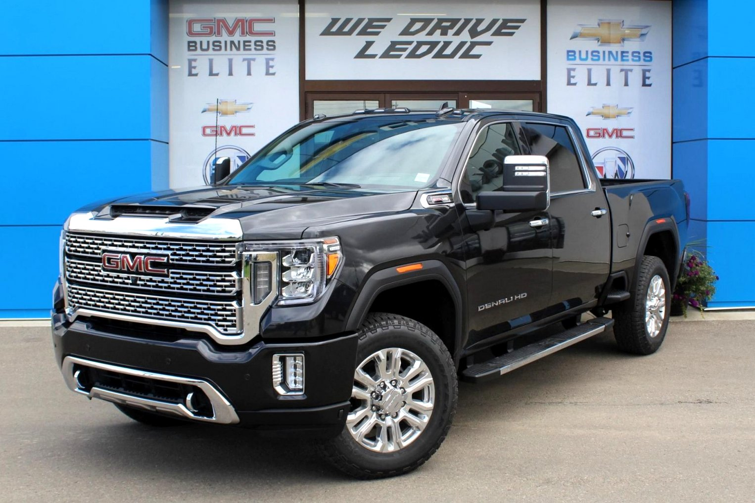 2020 GMC box truck Redesign and Review