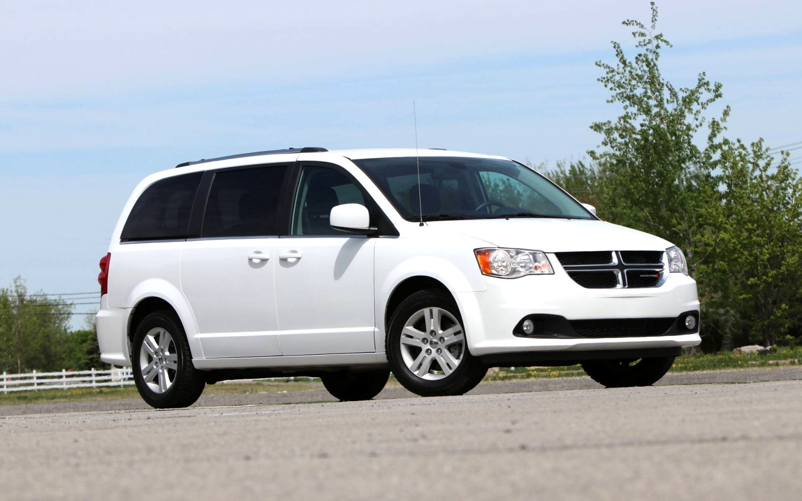 dodge caravan 2020 Review and Release date