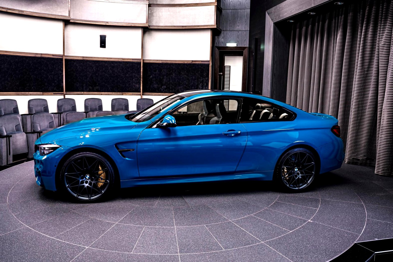 2020 BMW blue colors Performance and New Engine