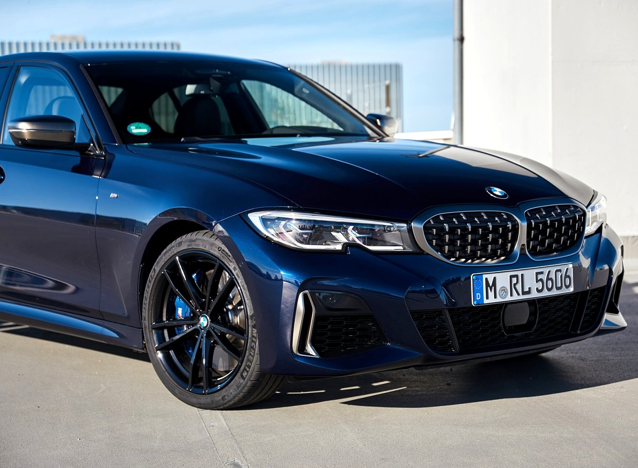 2020 BMW blue colors Overview