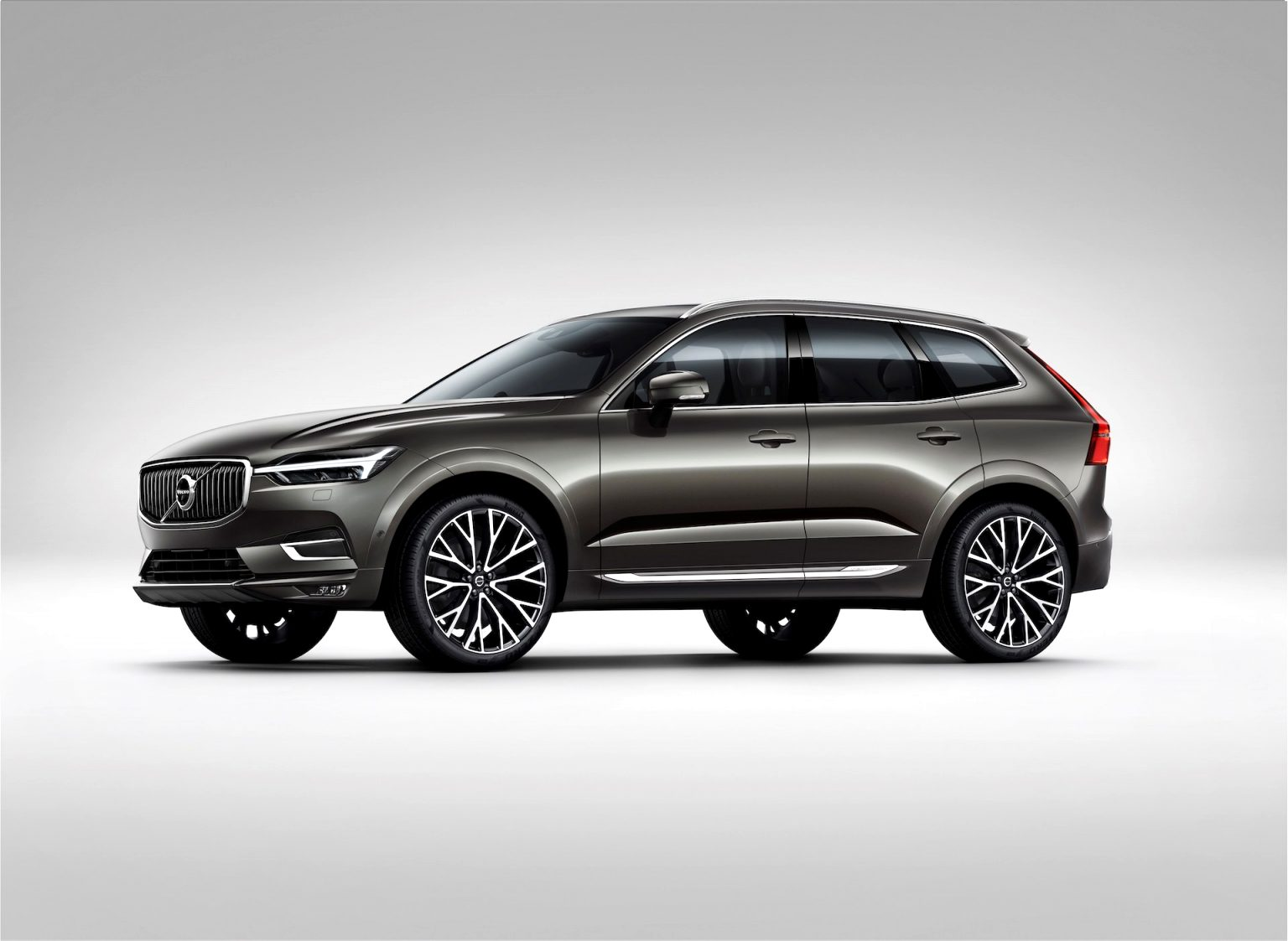 2021 volvo crossover Prices