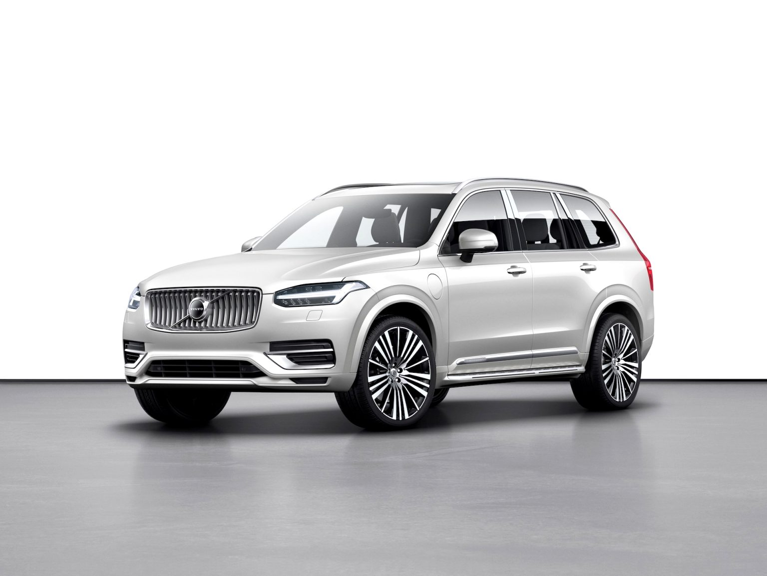 2021 volvo crossover Overview
