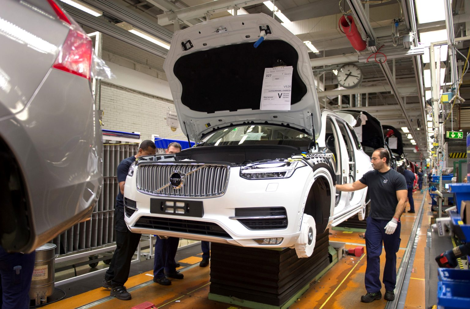 2021 volvo build Price and Review