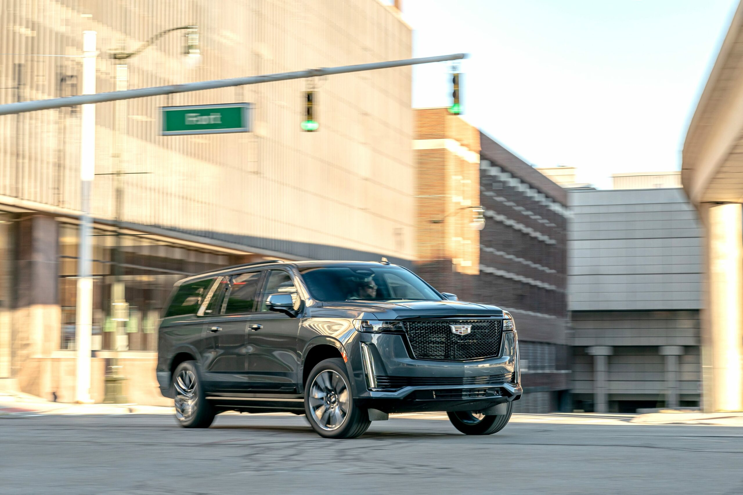how much is a 2021 cadillac SUV Ratings