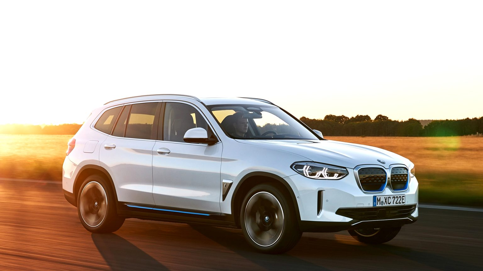 2021 BMW electric SUV Overview