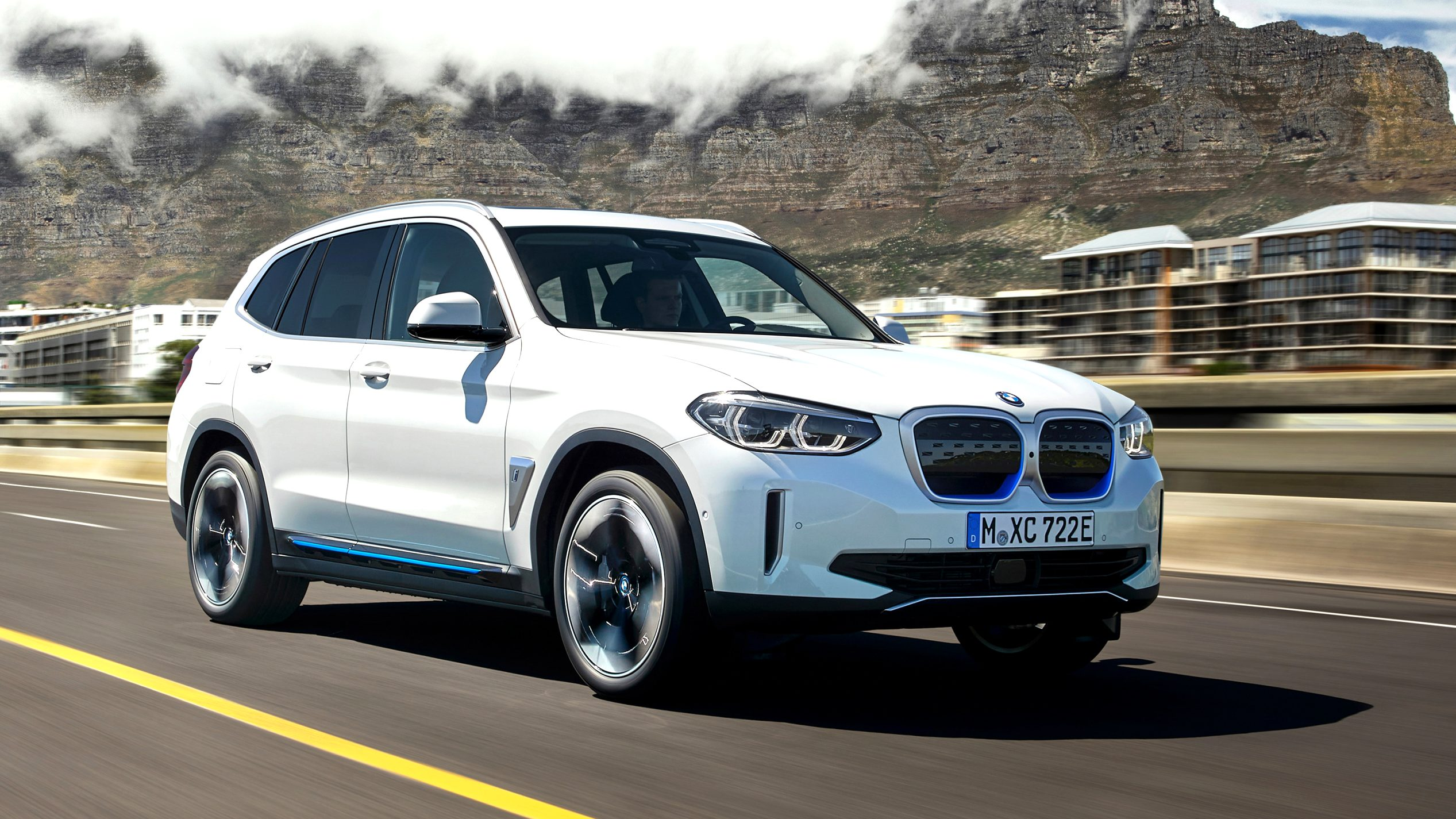 2021 BMW electric SUV Research New