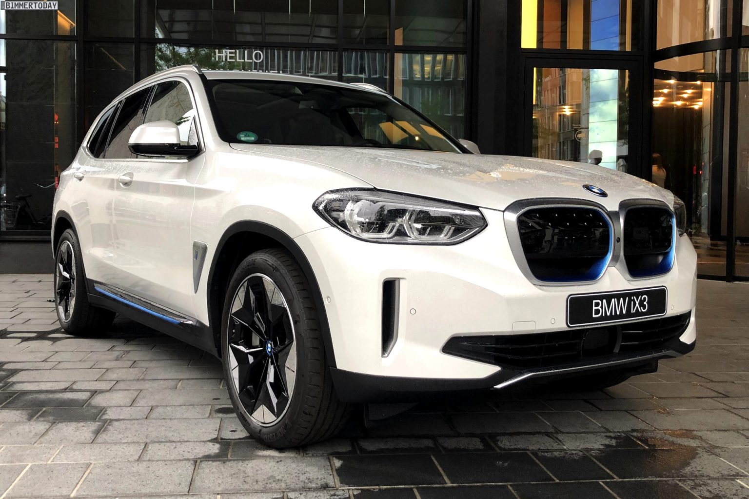 2021 BMW electric SUV Pictures