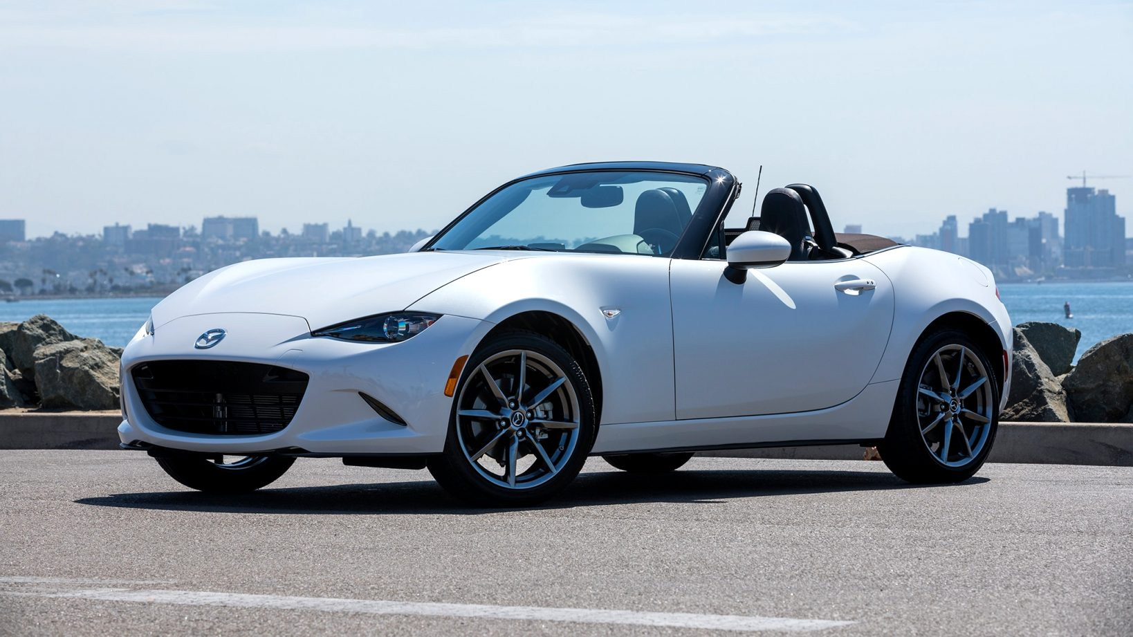 2021 mazda miata zero to 60 Interior