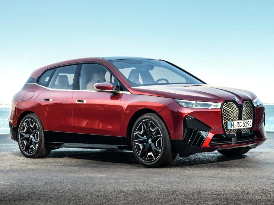 2021 BMW electric SUV Style