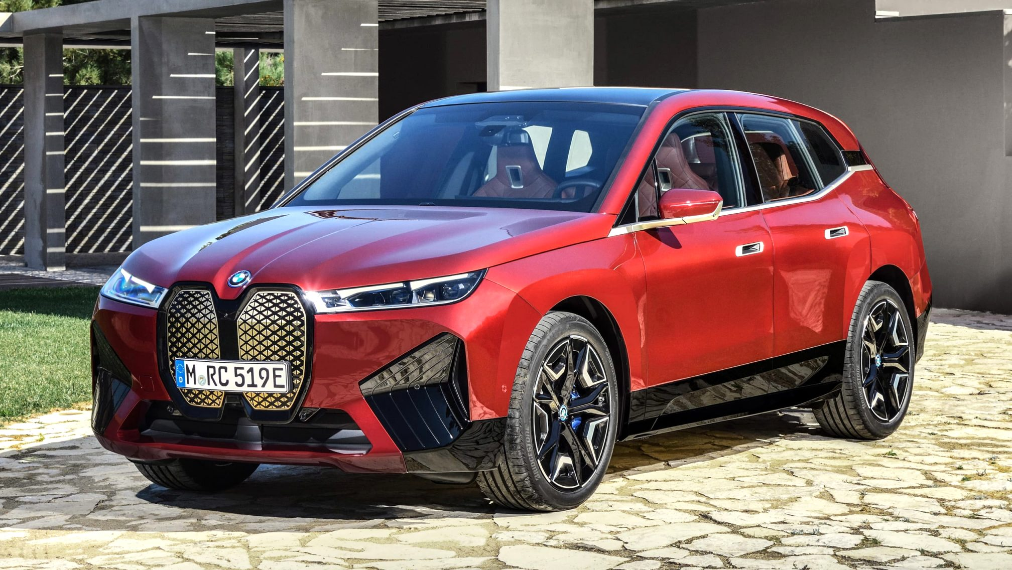 2021 BMW electric SUV Images