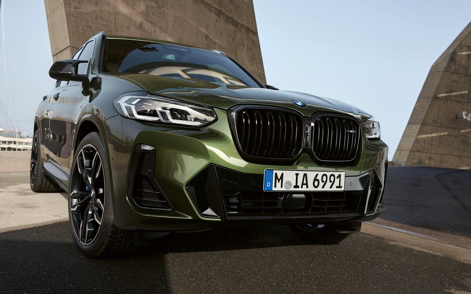 BMW crossover 2021 Concept and Review