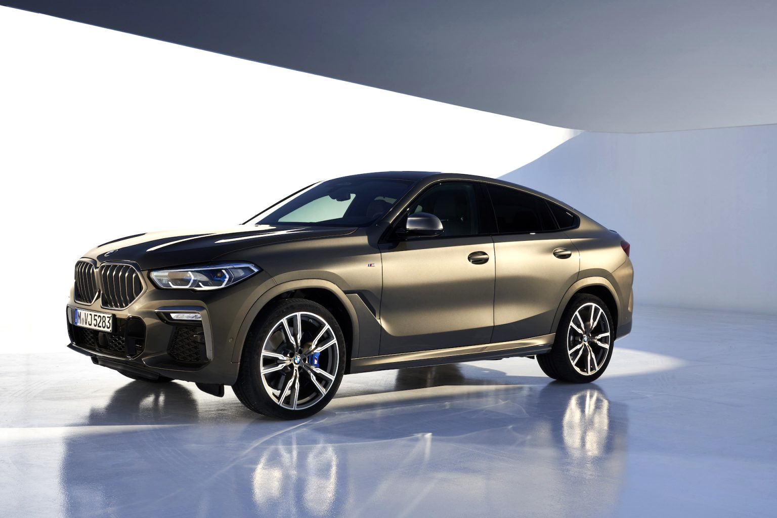 BMW crossover 2021 Performance and New Engine