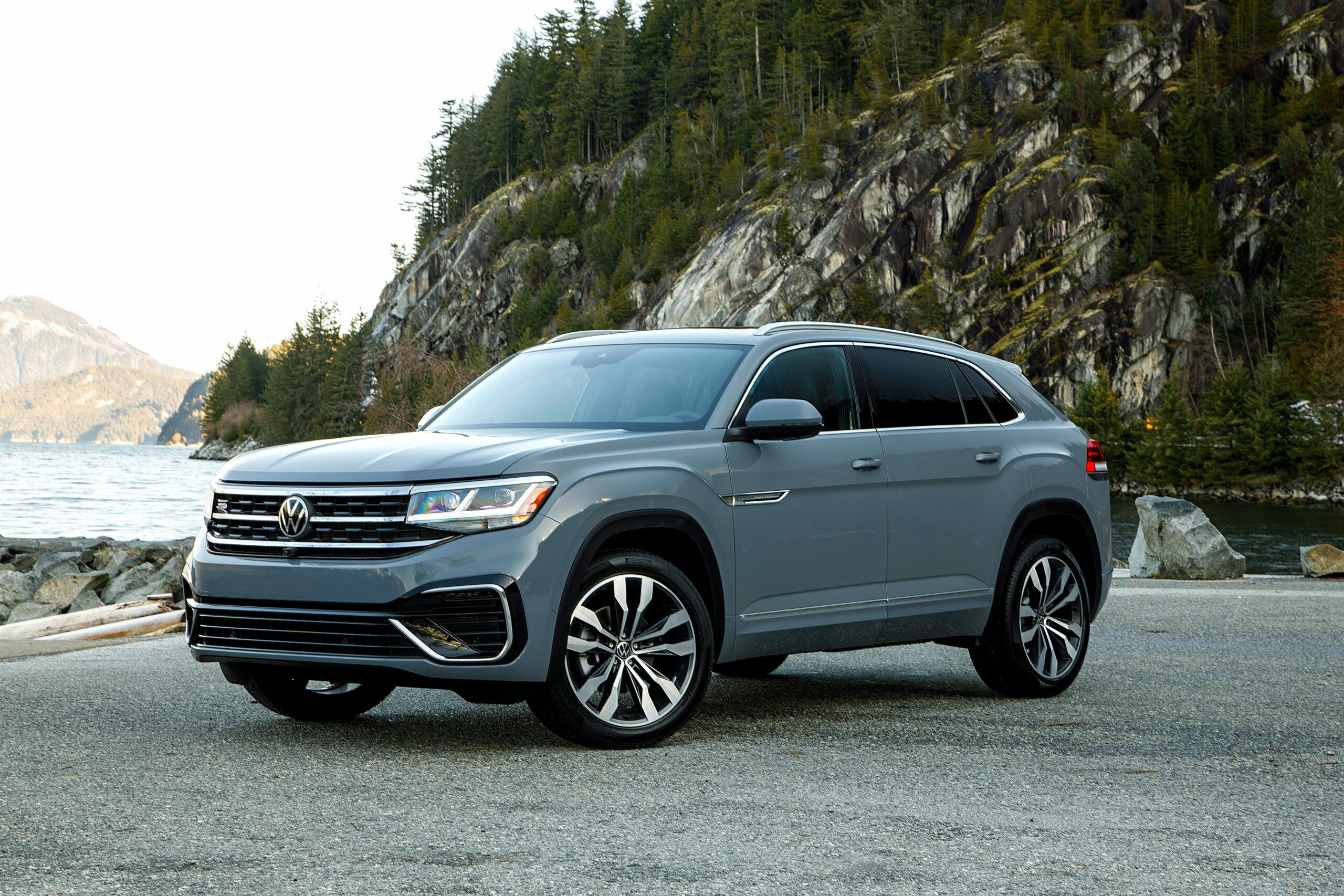volkswagen atlas review 2021 Performance and New Engine